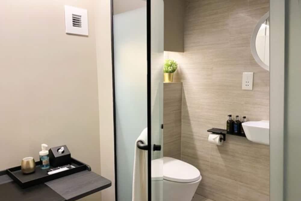 חדר זוגי, ללא חלונות (5 hours: 10AM-3PM) - חדר רחצה