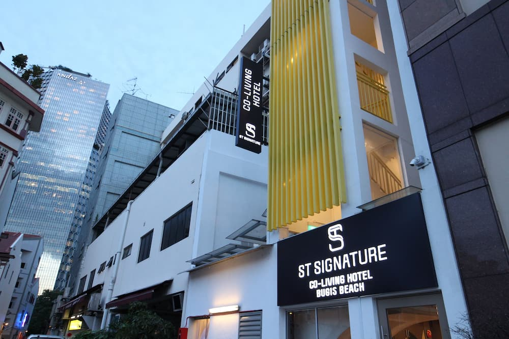 ST Signature Bugis Beach (5 hours, 9am - 2pm) (SG Clean, Staycation Approved)
