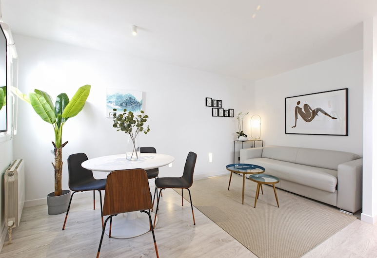 Sofia II by Madflats Collection, Madrid