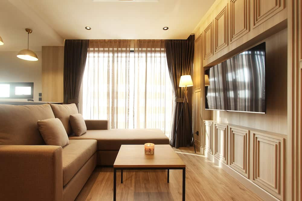 Nares Suite Room - Living Area