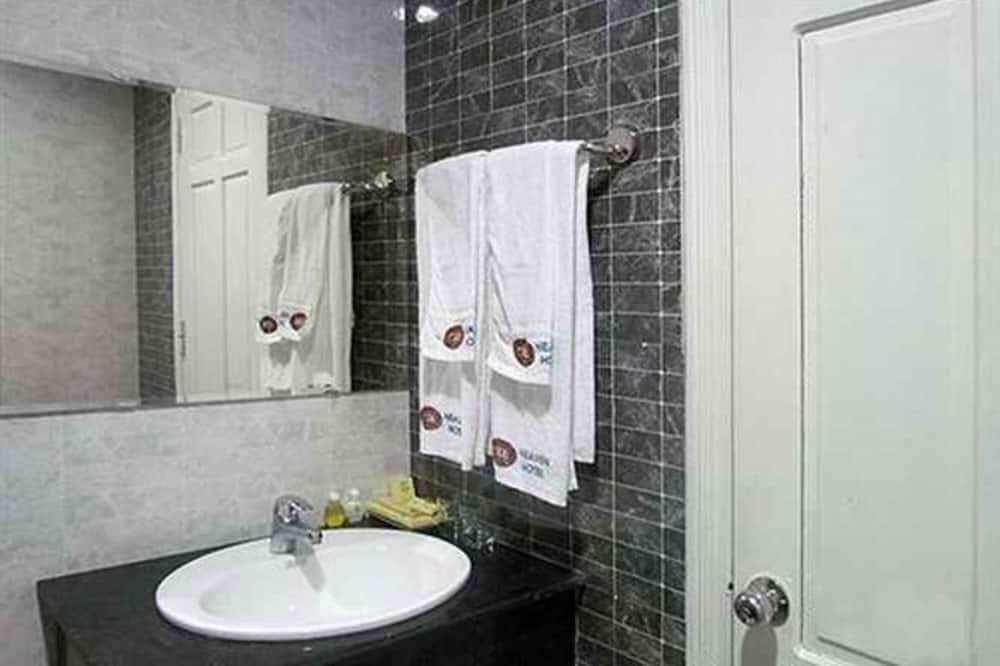 Номер «Делюкс», 1 двуспальная кровать «Квин-сайз» - Ванная комната