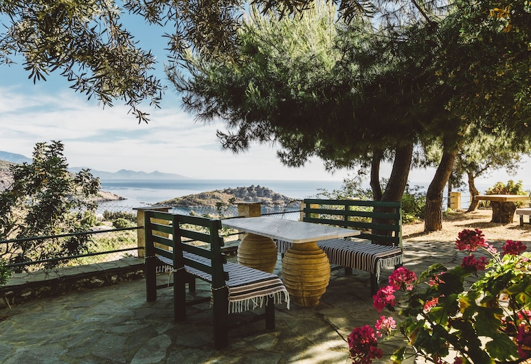 Zante Panorama Seaside View Bright Master Suite, Закинф