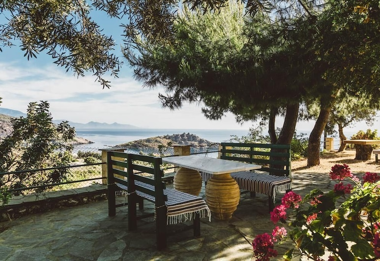 Zante Panorama Seaside View Elegant Master Suite, Закинф