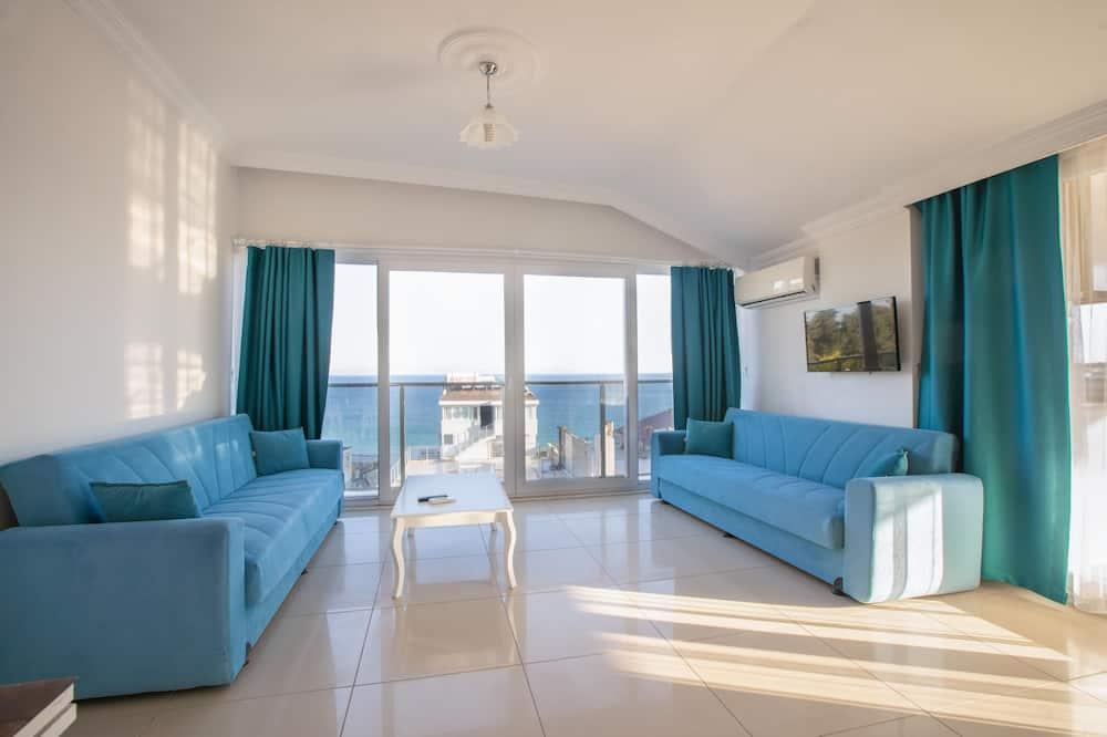 Penthouse, 2 Bedrooms, Sea View - Living Area