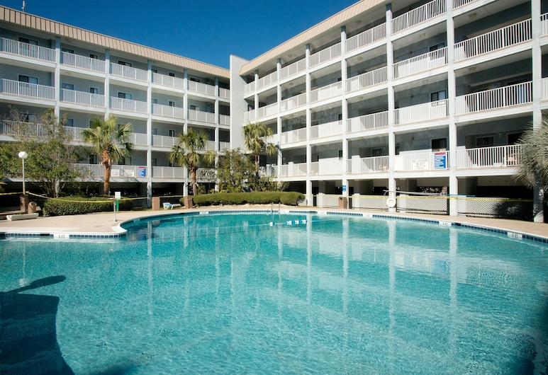New Listing! Resort W/ Pools, Gym & Tennis 2 Bedroom Apts, Hilton Head Island, Apartment, 2 Bedrooms, Pool