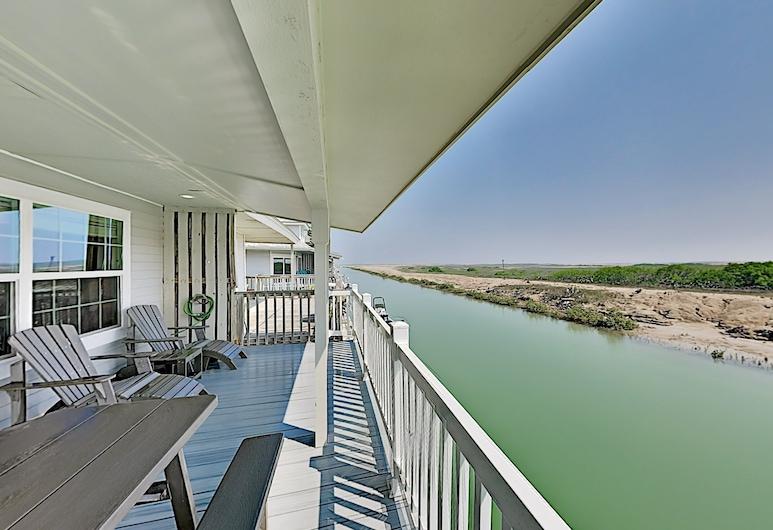 Waterfront Sea W/ Bay Views, Pools & Golf 2 Bedroom Cottage, بورت إيزابيل