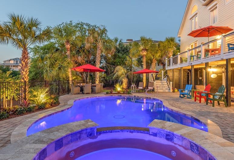 Carolina Elegance North Ocean Point Beach Haven 4 Bedroom Home, Isle of Palms, Māja, četras guļamistabas, Baseins