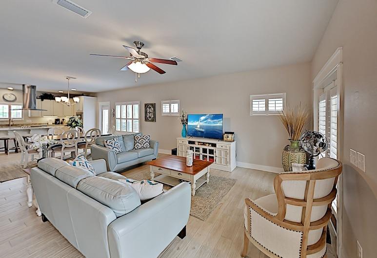 Arborgate - Near Pool, Beach & Marina! 4 Bedroom Home, เพนซาโคลา