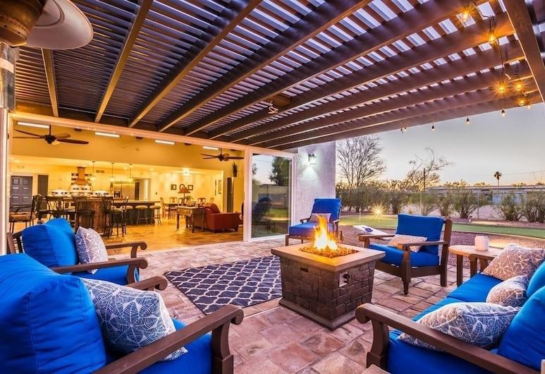 Hacienda - Games Galore! Pool, Spa - Huge Yard! 6 Bedroom Home, سكوتسديل