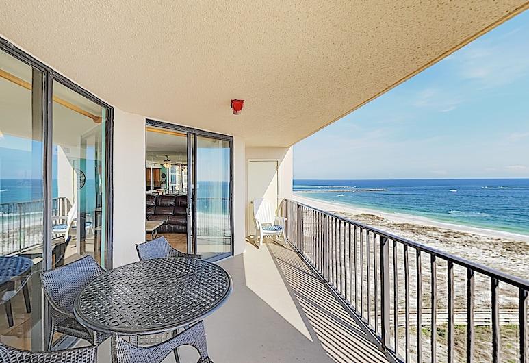 Gulf-view Corner - Balcony, Pools & Hot Tubs 3 Bedroom Condo, Pantai Orange