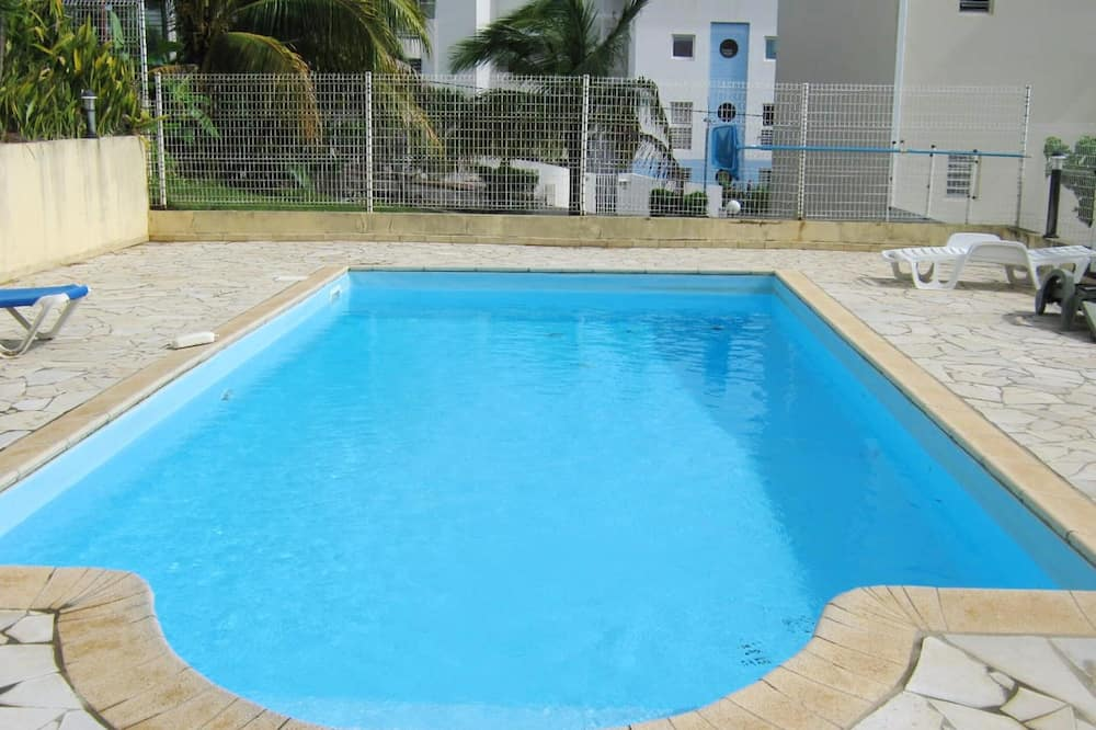House With one Bedroom in Les Trois-îlets, With Wonderful sea View, Shared Pool, Enclosed Garden