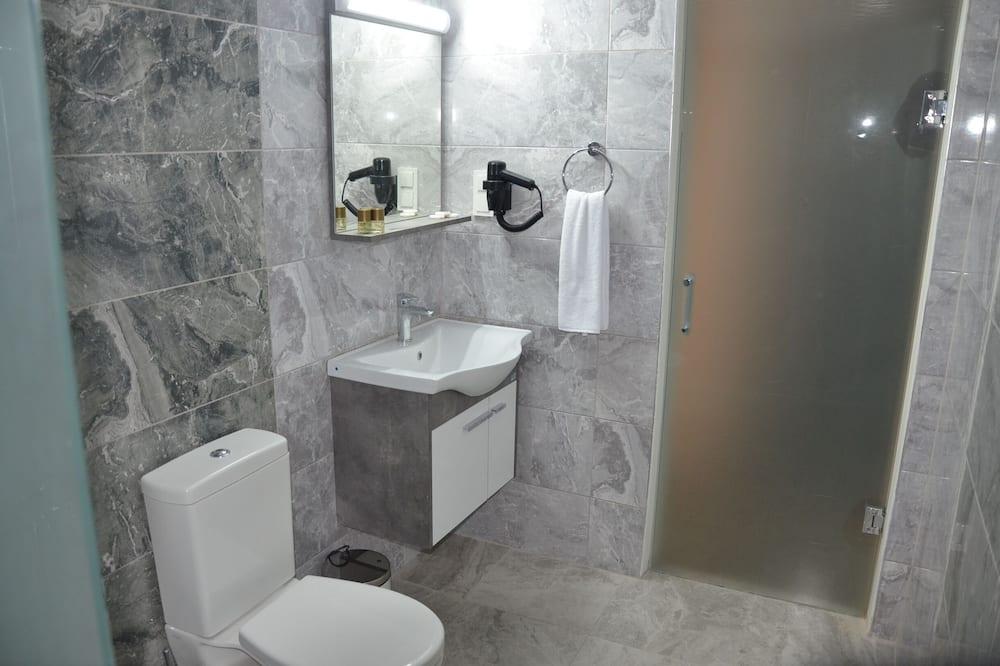 Deluxe-Doppel- oder -Zweibettzimmer, Stadtblick - Badezimmer