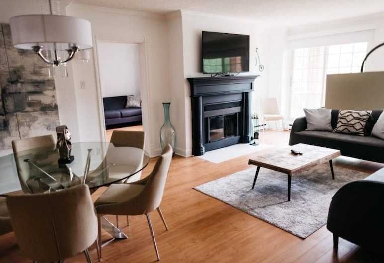Entire Condo in the Manor/hotel Saint Sauveur, Saint-Sauveur, Dzīvojamā istaba