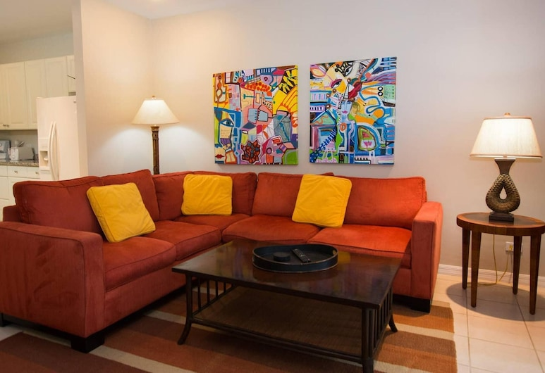 Spacious Second-floor Beauty in Coco With Gourmet Kitchen and Breezy Terrace, Coco