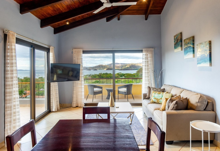 Modern - Immaculate Unit in Flamingo With Spectacular Ocean Views, Playa Flamingo, Wohnzimmer