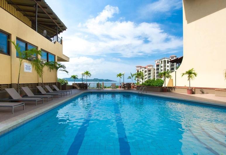 Well-priced Studio in Flamingo With Full Kitchen - TV - AC and Pool, بلايا فلامنجو, حمام سباحة