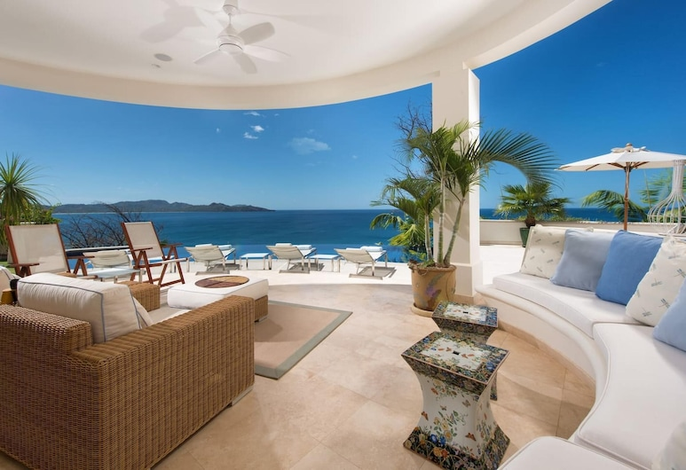 Giant Luxurious Mansion in Flamingo With Pool and Sumptuous Ocean Views, Playa Flamingo