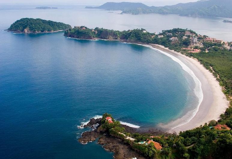 Panoramic Ocean Views - Spacious Terrace - Modern art and Pool in Flamingo, Playa Flamingo, Plaža