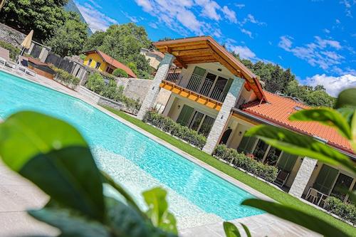 House&Pool/