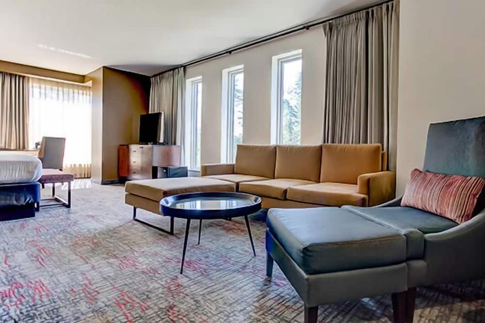 Presidential-Suite, 1King-Bett, Eckzimmer - Wohnbereich