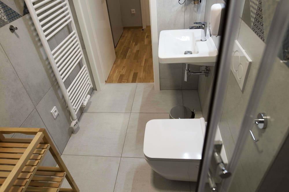 Apartmán, kuchyně (2 Bathrooms, No.9) - Koupelna