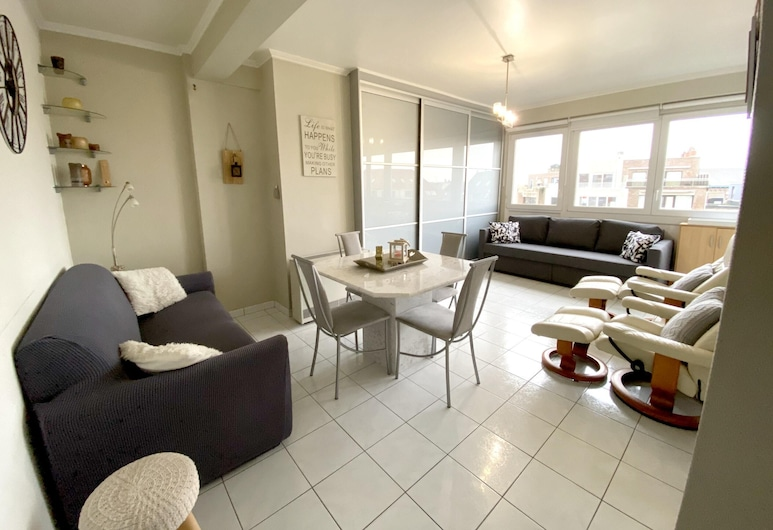 Apartment With one Bedroom in Blankenberge, With Wonderful City View and Wifi - 200 m From the Beach, Blankenberge, Sala de estar