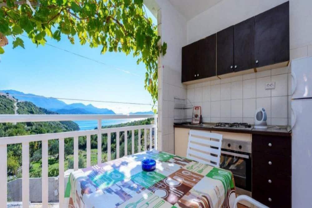 Tek Büyük Yataklı Oda (Double Room with Balcony and Sea View) - Balkon