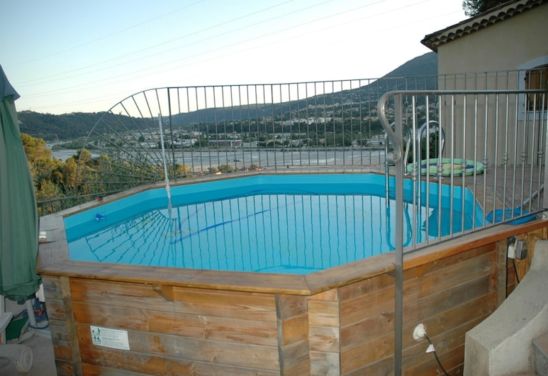 Apartment With one Bedroom in Castagniers, With Wonderful Mountain View, Shared Pool, Furnished Garden - 15 km From the Beach, Castagniers, Alberca