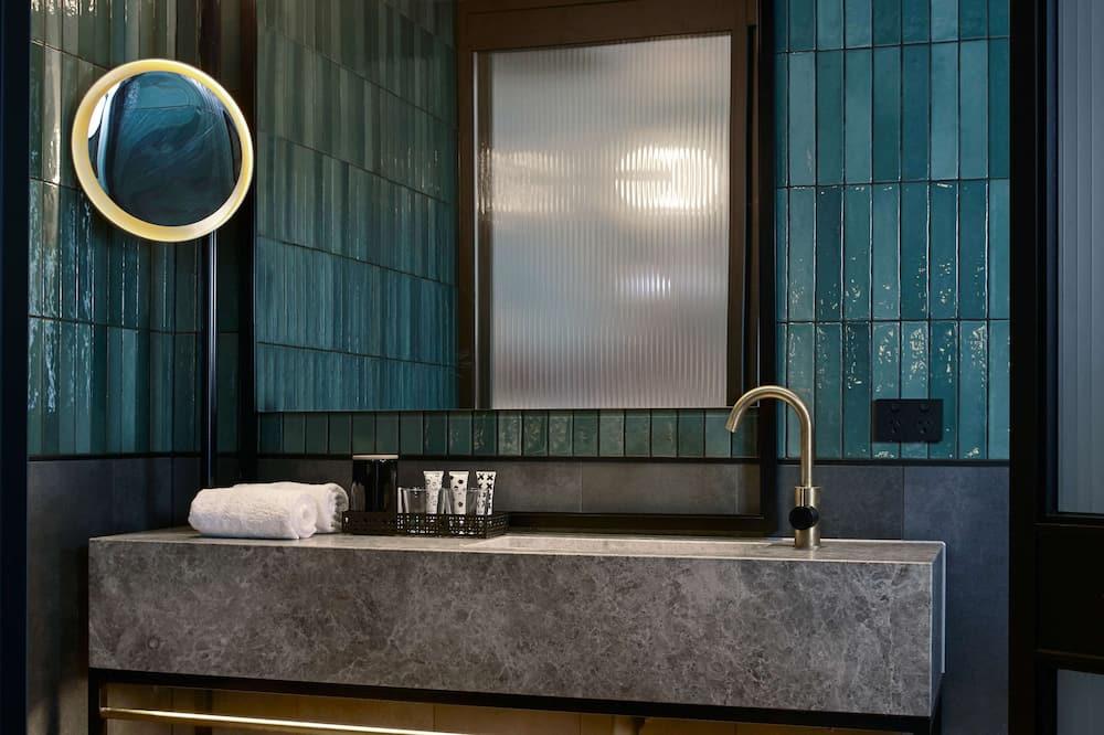 QT Executive Balcony - Ванная комната