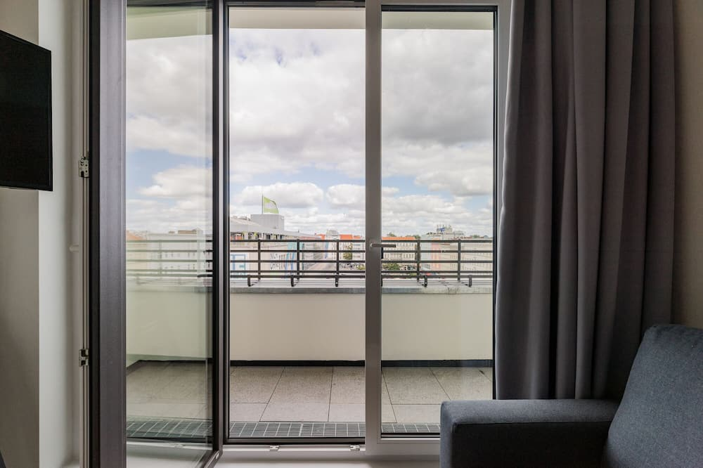 Apartemen (1 Bed) - Pemandangan Balkon