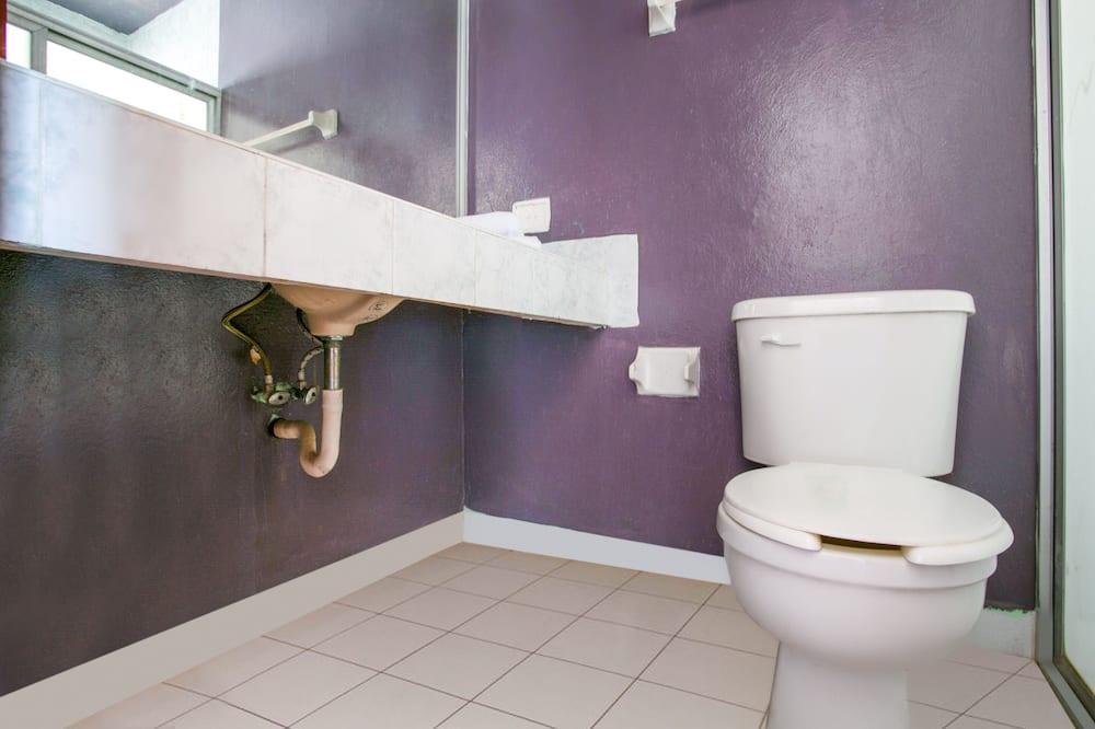 Standard Room (1 King Bed) - Bathroom