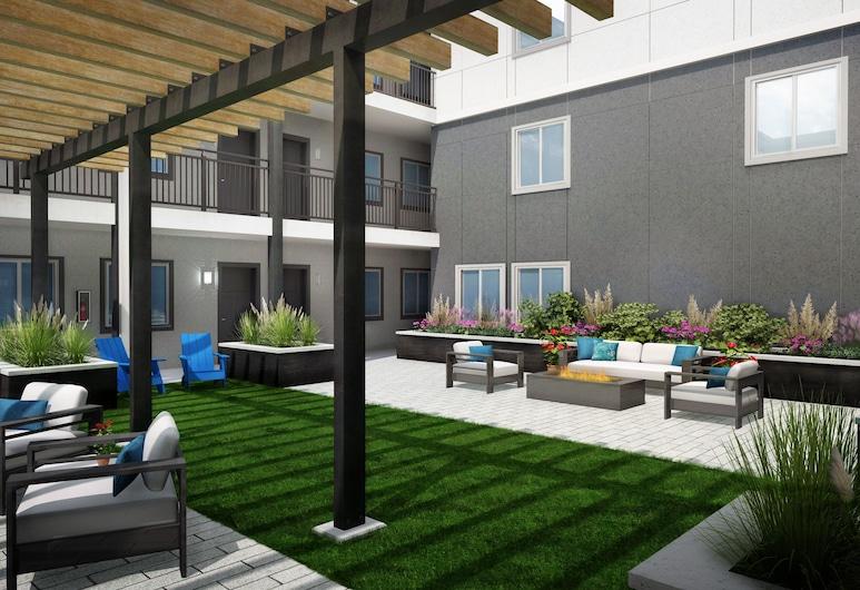 StayAPT Suites Goldsboro-Seymour Johnson AFB, Goldsboro, Property Grounds