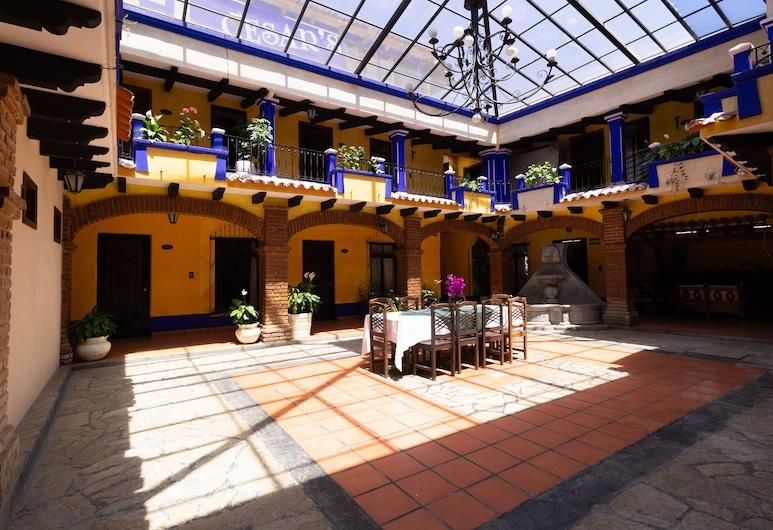 Capital O Hotel Cesars, San Cristobal de las Casas, Halaman Dalam