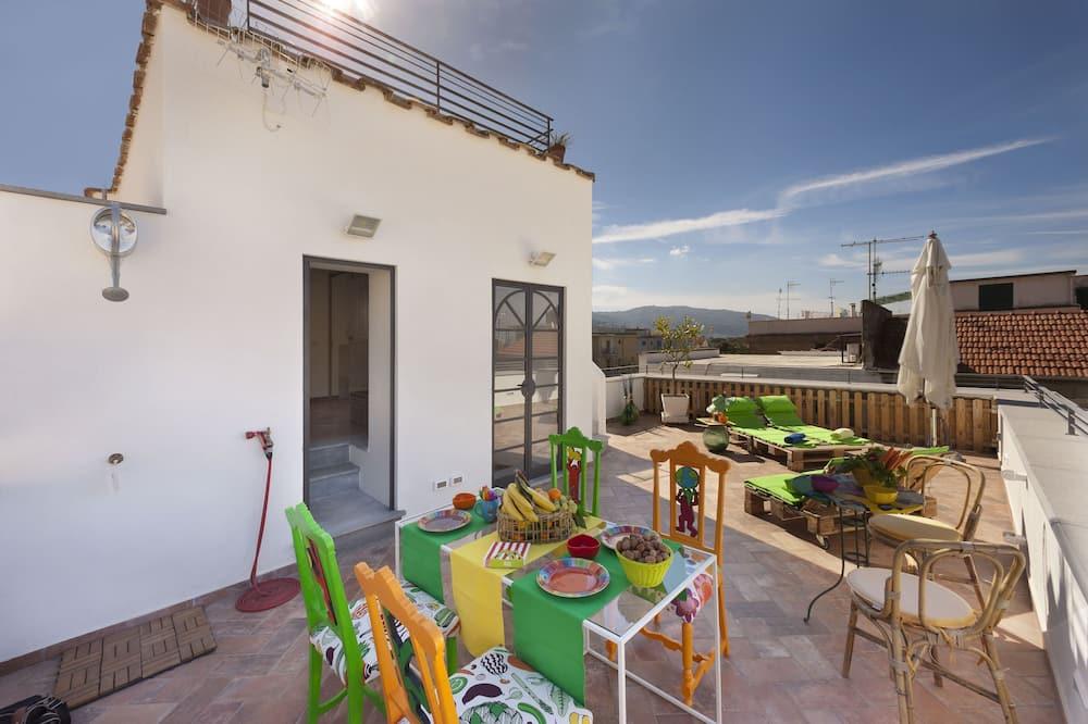 Duplex, 2 Bedrooms - Terrace/Patio