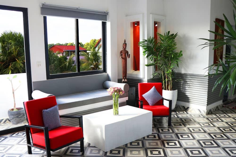 Nhà dành cho gia đình, 6 phòng ngủ, Bếp, Quang cảnh vườn - Phòng khách