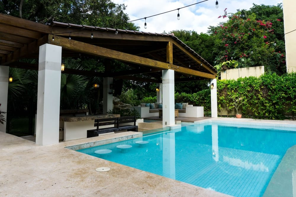 Villa, 5 hálószobával - Kiemelt kép