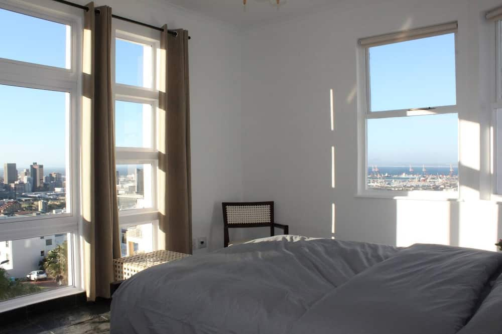 Grand Apartment, 3 Bedrooms - Room