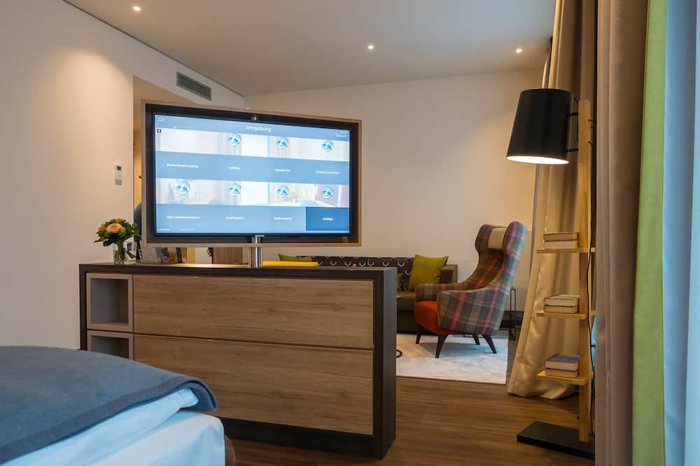 Suite, 1 King Bed, Kitchen (Cozy Sitting Corner) - Living Room