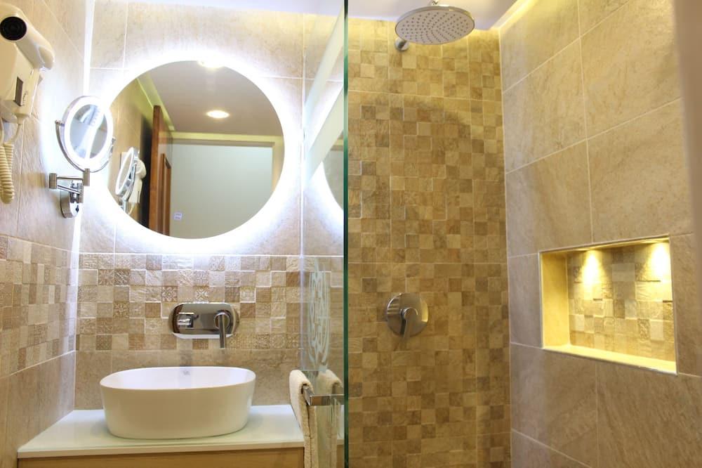 Міський двомісний номер (2 односпальних ліжка) - Ванна кімната