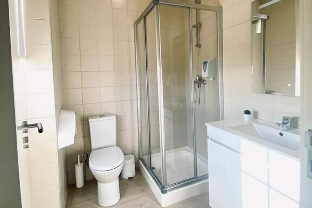 Pokoj typu Basic, smíšený pokoj v ubytovně - Koupelna