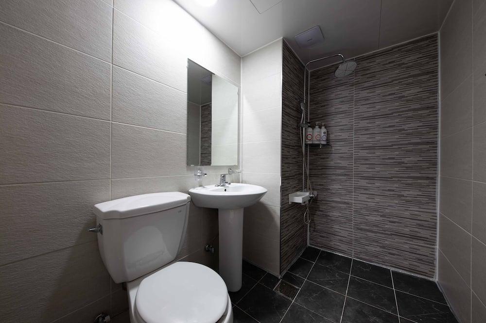 Modern Standard - Kamar mandi