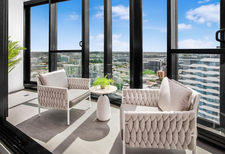 Stunning 3-bed Apartment Near Valley Shops and Bars, Fortitude Valley, Balcón