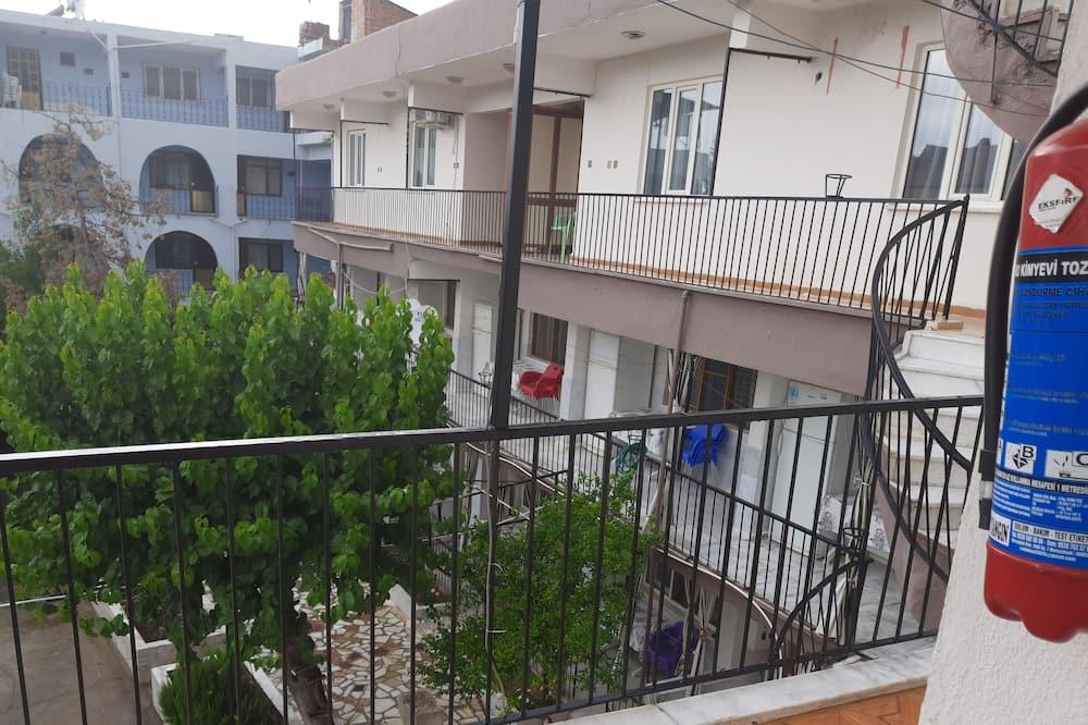 Keturvietis kambarys šeimai - Vaizdas iš balkono