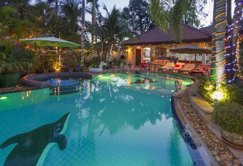 Relaxing Palm Pool Villa Tropical Illuminated Garden Swimming Pool, بانج لامونج, حمام سباحة