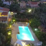 Panoramic Apartment in Villa With Pool and Garden Wi-fi