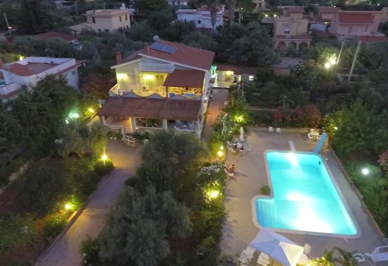 Panoramic Apartment in Villa With Pool and Garden Wi-fi, Altavilla Milicia