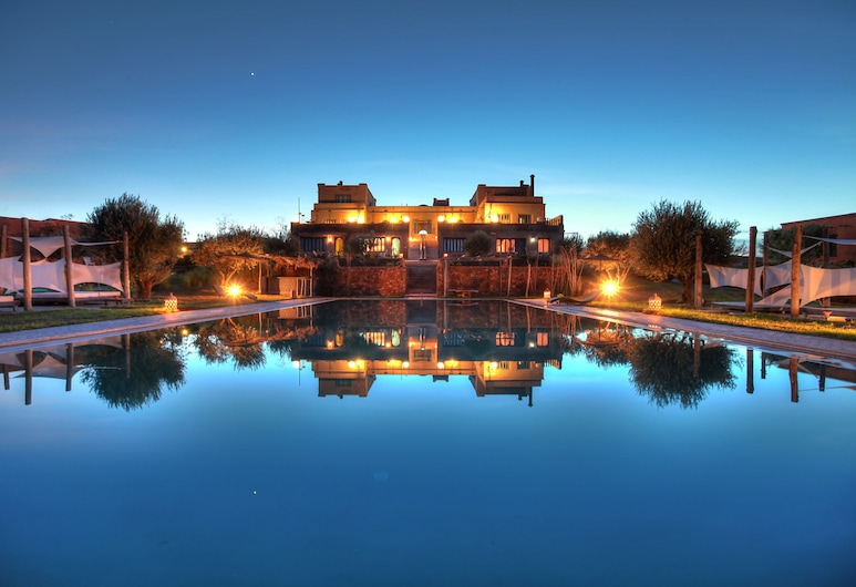 Villa Spacious Suites, Terraces Pool With Atlas View for Large Groups, Tameslouht, Garten