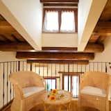 Māja, trīs guļamistabas, piekļuves iespējas personām ar kustību traucējumiem, smēķētājiem - Galvenais attēls