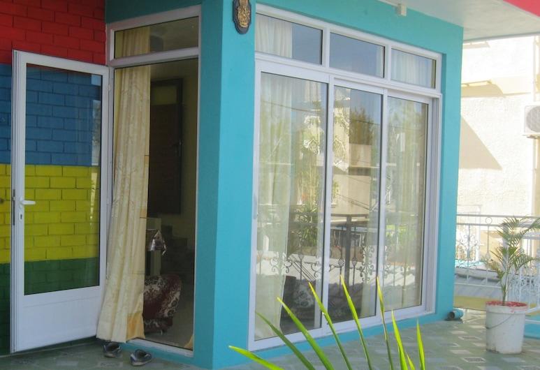 Indira Guest House Is In The Heart Of Flic En Flac, Flic-en-Flac, Balkons