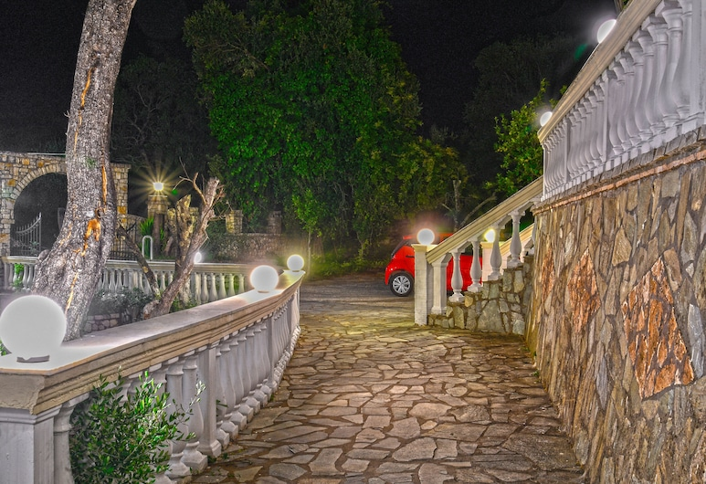 Corfu Room Apartments in a Piecefull and Full of Olive Trees Location, Corfu, Lahan Properti